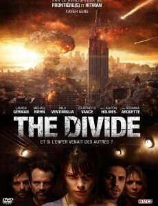 Couverture de The Divide